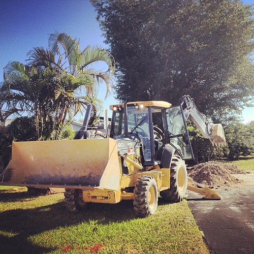 A bit of excitement in front of our house this morning! A crew is fixing a leak in the water main. #igersftl #southflorida #tamarac