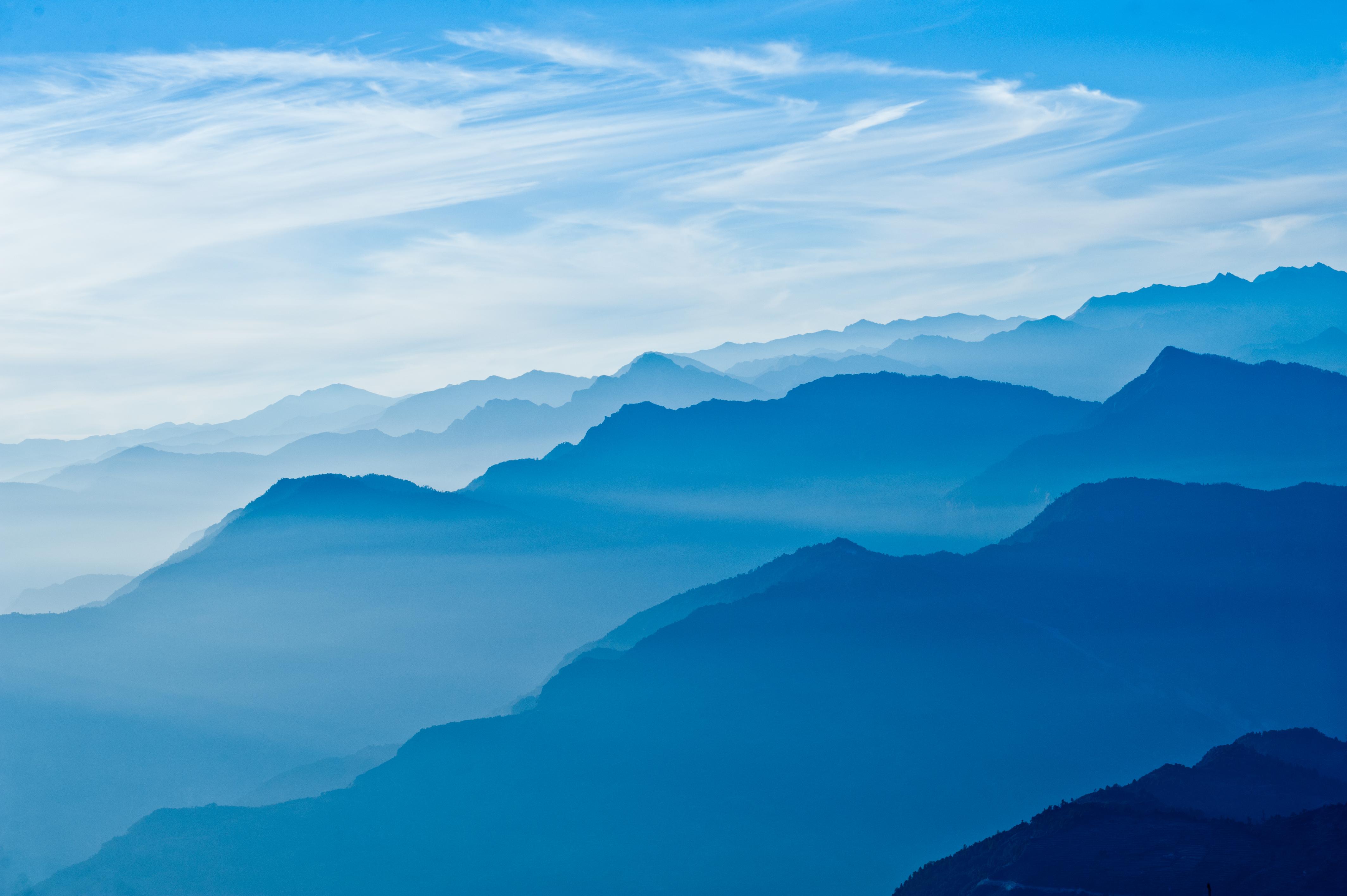 облака над горами бесплатно