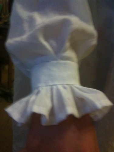 sleeve with frill