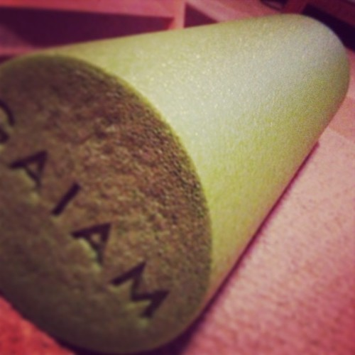 Meet my new best friend: the foam roller. Pesky IT band! #workoutproblems