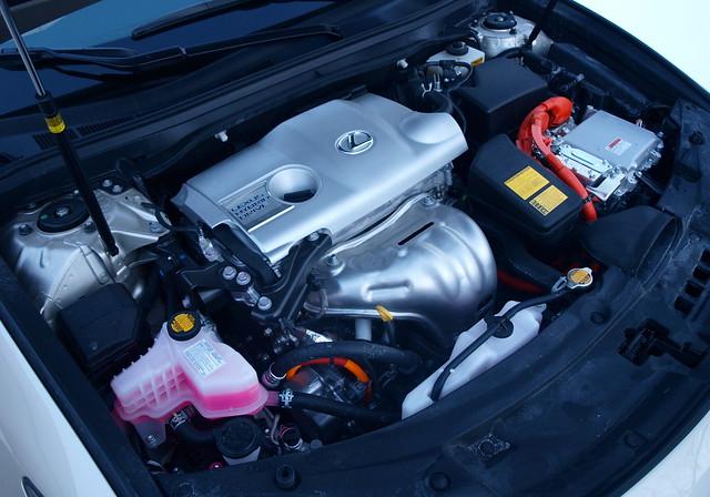 2013 Lexus ES 300h 7