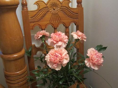 Vaaleanpunaiset neilikat 2 by Anna Amnell
