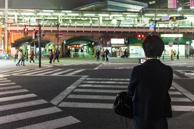 20130313_01_Yurakucho Office Lady