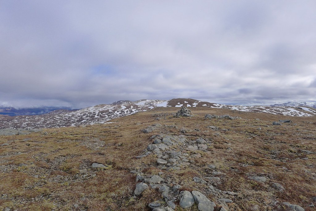 Heading to Meall Buidhe