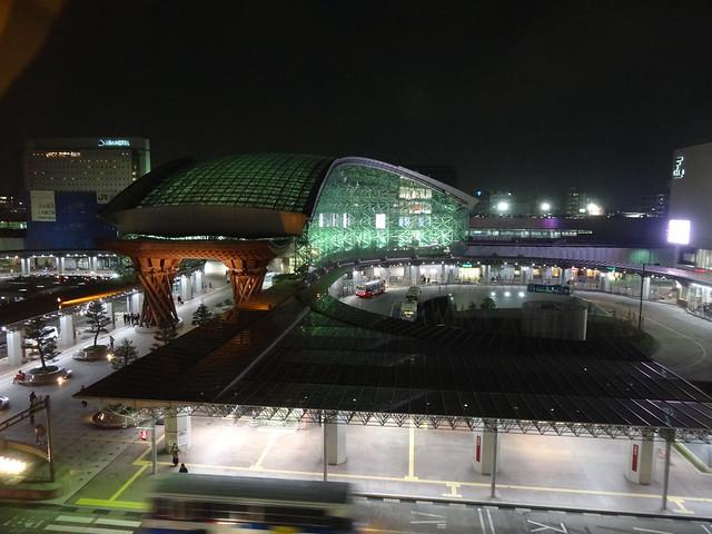 JR金沢駅