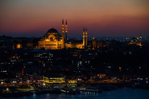 Istanbul, la magia a 2 ore da casa