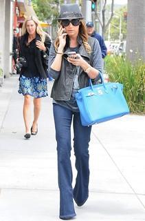 Ashley Tisdale Flared Jeans Celebrity Style Women's Fashion