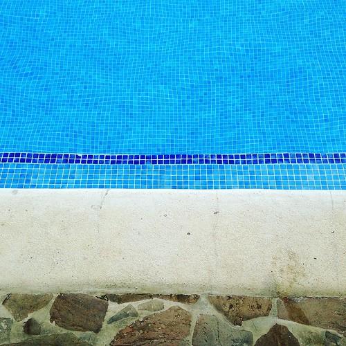 Textures. Pool deck, step, pool, water. Summer. #summer #pool #water