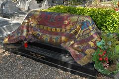 La tombe de Rudolf Noureev (Sainte-Geneviève-des-Bois)