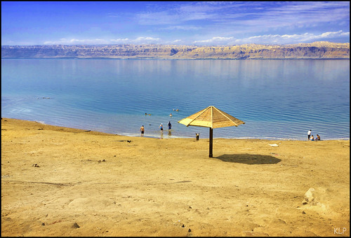 sea people mountains beach water swim umbrella canon dead israel sand desert palestine border salt middleeast kingdom east jordan brine salty valley 5d middle float saline deadsea 1740mm bathers rift hashemite