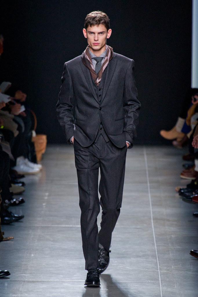 FW13 Milan Bottega Veneta137_Arthur Gosse(fashionising.com)