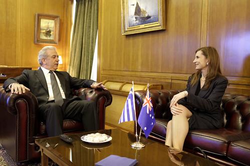 Συνάντηση με την Πρέσβειρα της Αυστραλίας κα Jenny Bloomfield στο ΥΠΕΘΑ (9/3/12)