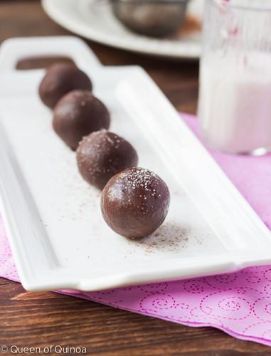 Dark Chocolate Quinoa Truffles by Queen of Quinoa (@alyssarimmer)