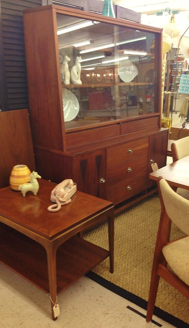 mid-century-hutch-by-stanley