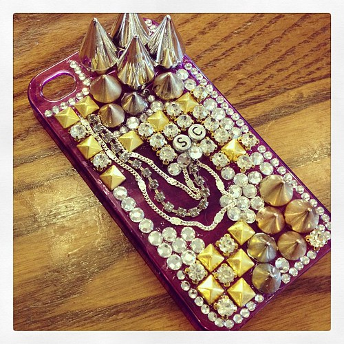 My amazing phone cover from #fibourkefashion #phonecover #iphone #studs #spikes #diamonds #chains #thesequincinderella #fashion #style #fashionblog #blingbling #bling #fibourkephonecovers
