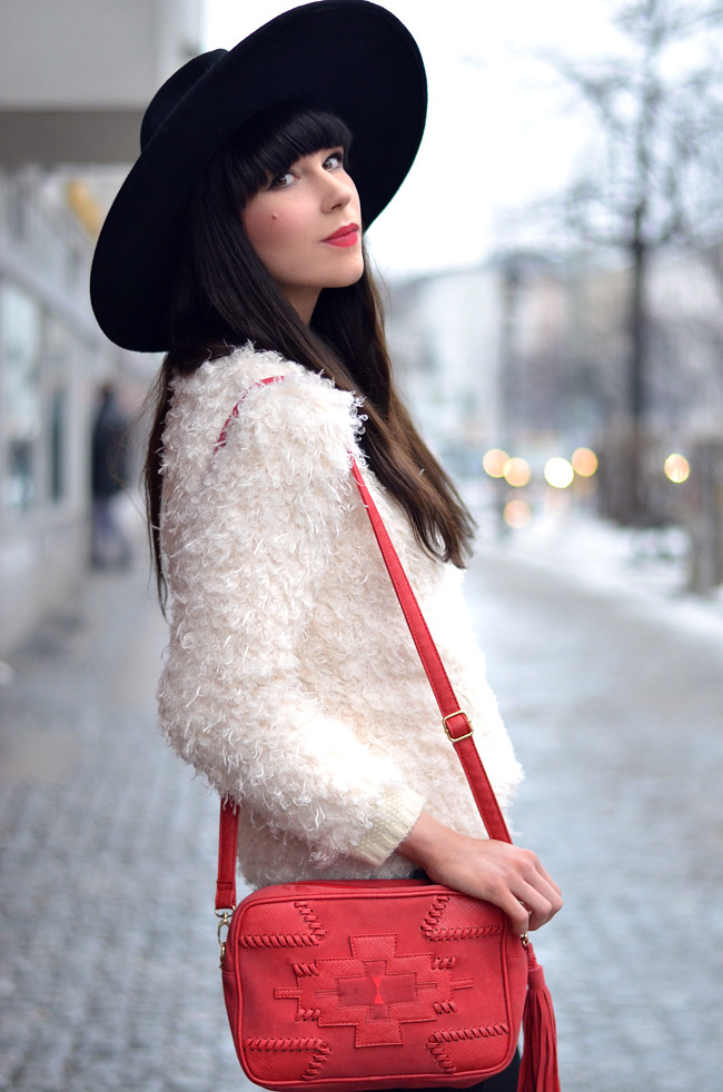 Romwe Knit Red Stradivarius Bag Outfit 5