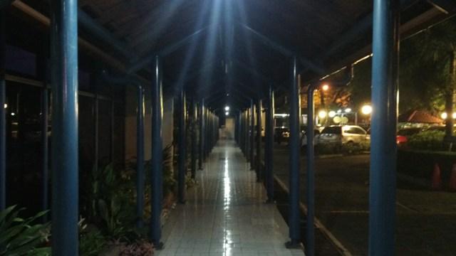 8. Hasil foto Z10 - Malam hari di luar ruangan dengan cahaya kurang (Night mode)