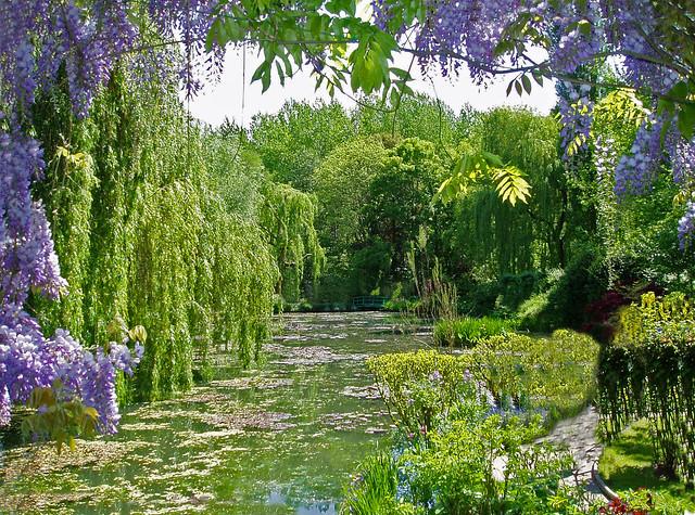 monets garden river