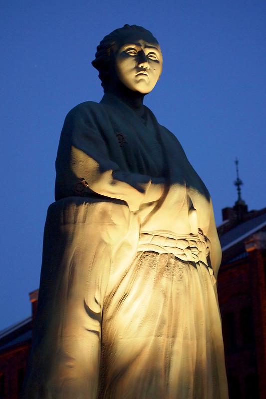 8532655197 d59a0225a9 c Sakamoto Ryoma Statue in Yokohama
