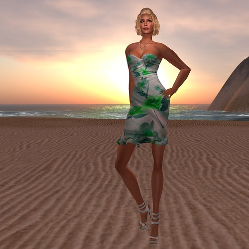 Paris METRO Couture_ Etre en Fleurs Cocktail Dress-Green