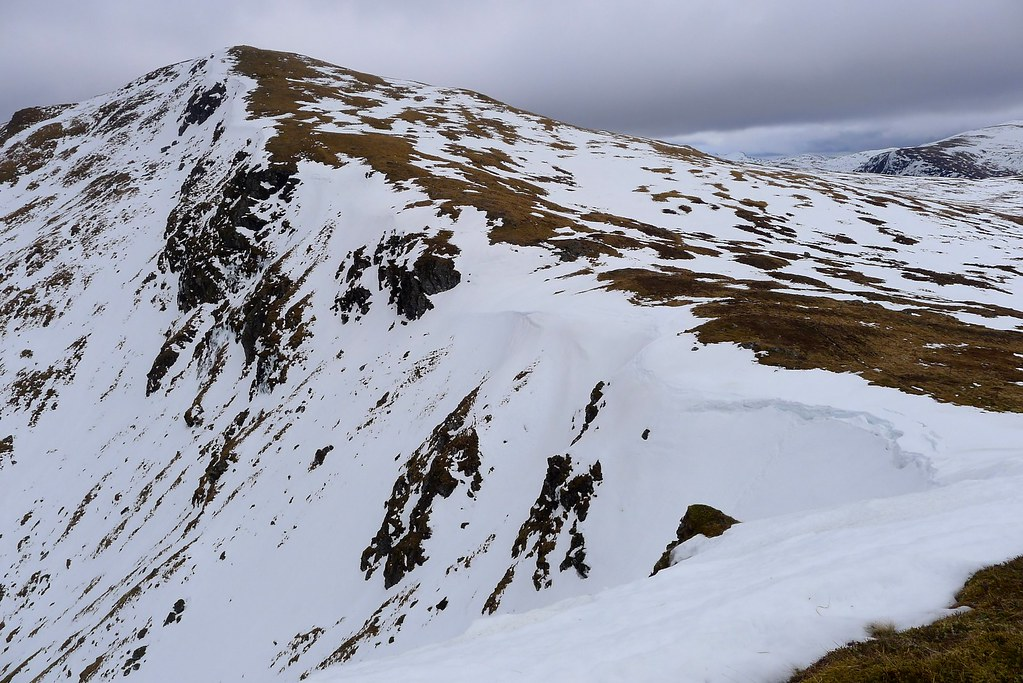 Cornices on the north side of Stuchd an Lochain