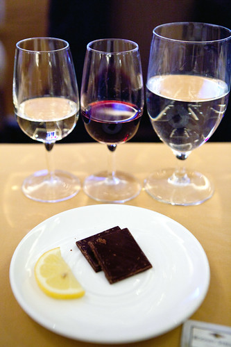 The wine tasting set up: Sauvignon Blanc and Tempranillo with Lindt dark chocolate with sea salt