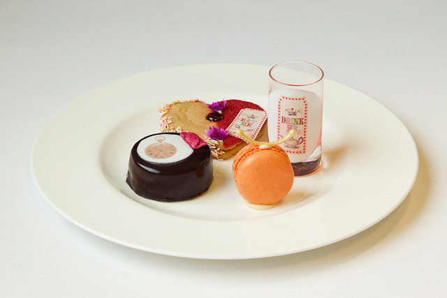 Afternoon Tea at Alice's Adventures in Wonderland © Royal Opera House Restaurants 2012