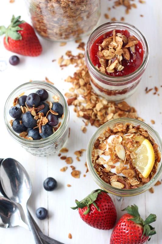 Easy Granola Yogurt Parfaits
