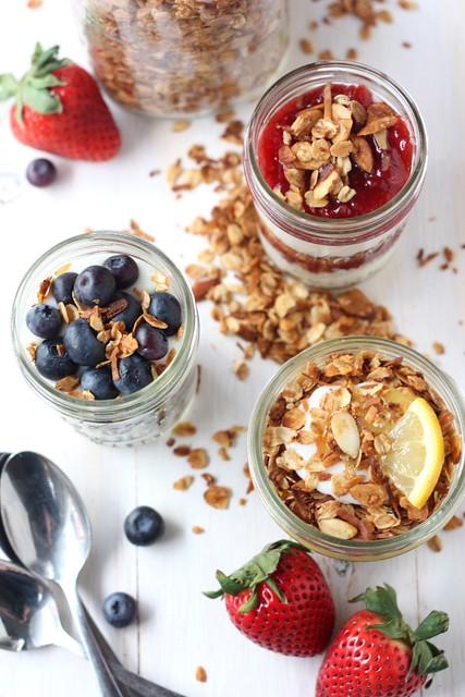 Easy Yogurt and Granola Breakfast Parfaits
