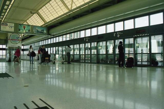 Newark Airport (1999)
