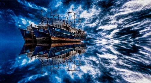 [フリー画像素材] 乗り物・交通, 船・船舶, 青色・ブルー, 反射・鏡像 ID:201301170000