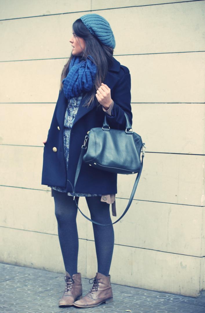 Look vestido estampado azul