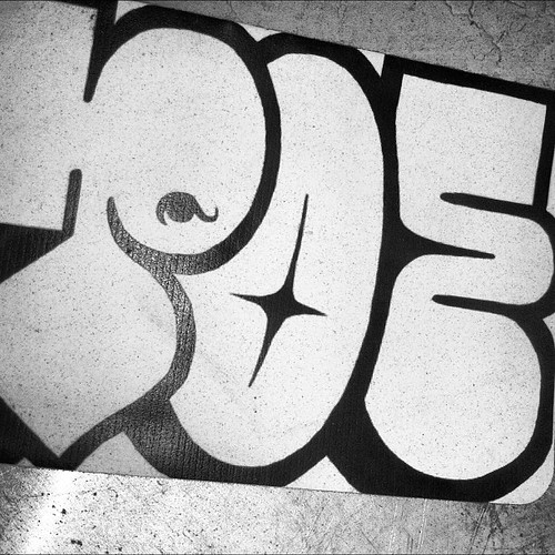 #poe #losangeles #slaptag #stickerwars #handstyles #graffiti #sticker #stickerart #streetart #tagging #bombing #gosticker www.StreetArtStickers.com by WE HATE FLICK R MAIL - EMAIL US: info@bomit.com