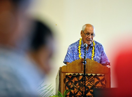 Samoan Head of State Tui Atua Tupua Tamasese delivering the opening leadership address to the delegates.
