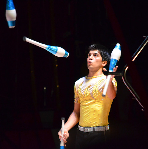 Hunky juggler - Royal Hanneford Circus - Westchester NY - 2013-02-16