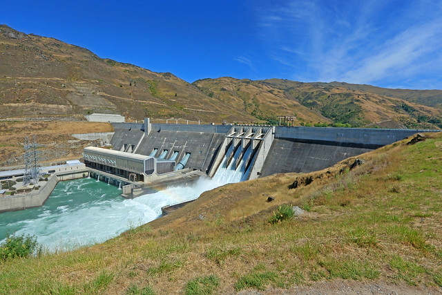 Clyde New Zealand  city images : Clyde Dam, Clyde Power Station, Clutha River, Lake Dunstan, Cromwell ...