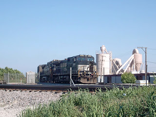 A Norfolk Southern transfer train waits for clearance at Cragin Junction.  Chicago Illinois.  June 2007. by Eddie from Chicago