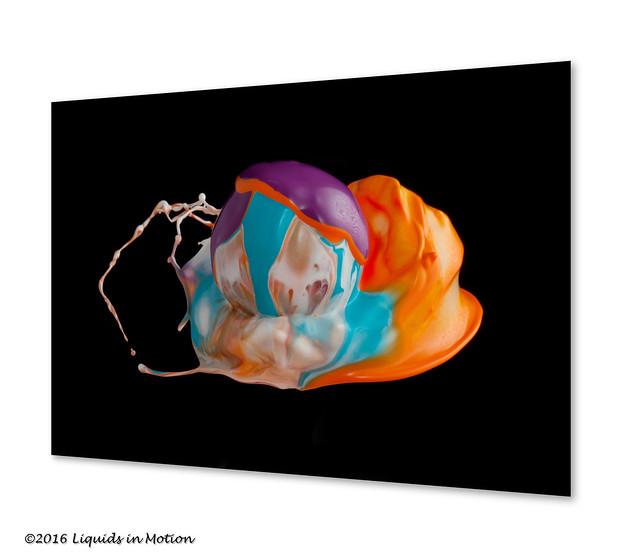 Melting Ball #5629 | ©2013 -LiquidsinMotion.us.com