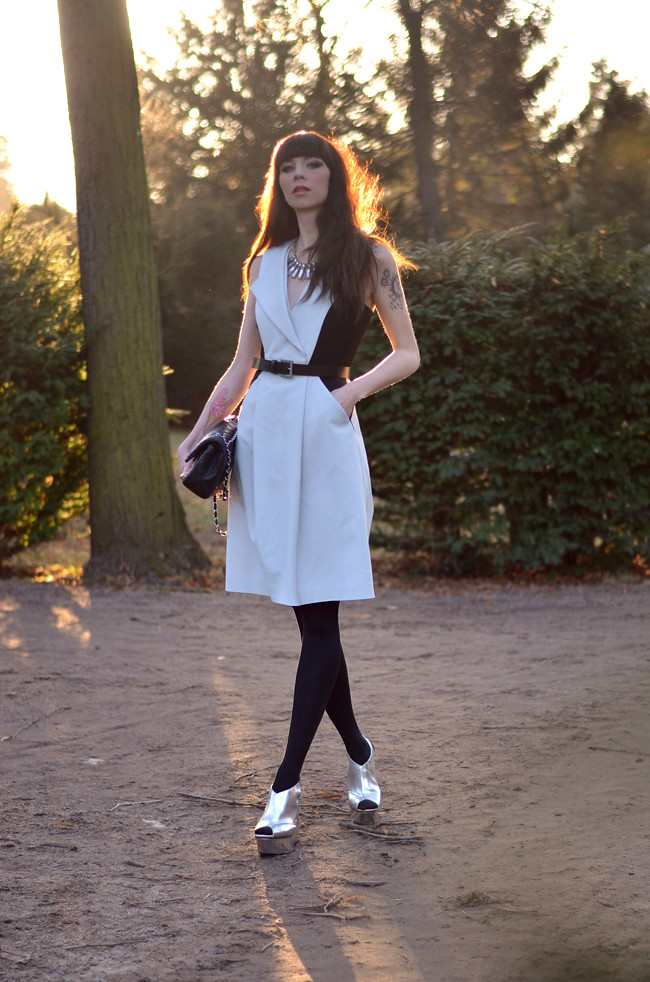 sportmax dress chanel bag outfit 2