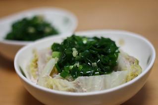 白菜と豚肉の蒸し煮に万能ニラソース