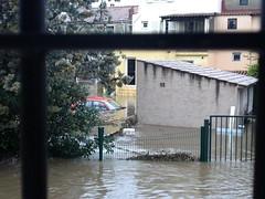 La voiture de notre voisin (l'eau est encore montée !!)