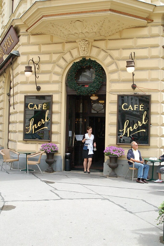 How To: Order a Coffee in Vienna