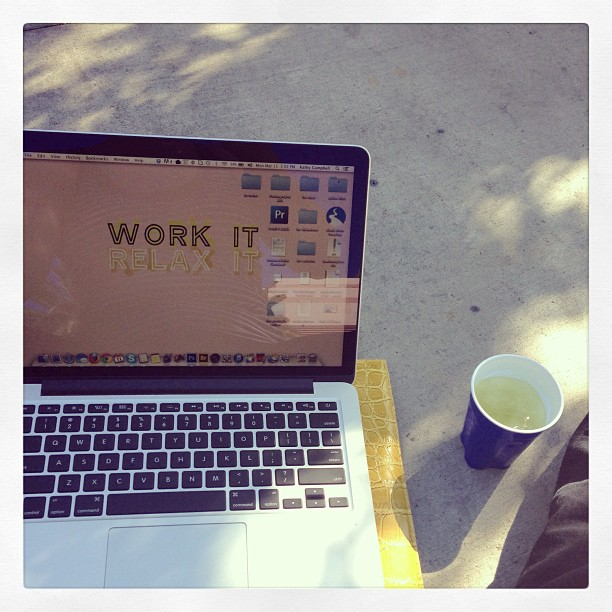 Living the high life. Working in the sun with a glass of wine. #thephotogshelper #workinghard #vegas #wppi #wppi2013