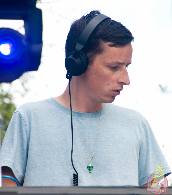 Totally Enormous Extinct Dinosaurs @ Ultra Fest