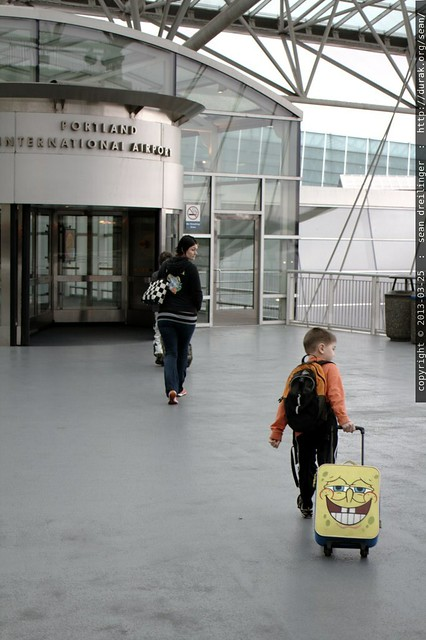 unaccompanied minors, accompanied by their mom, heading into the pdx portland international air terminal - _MG_3659