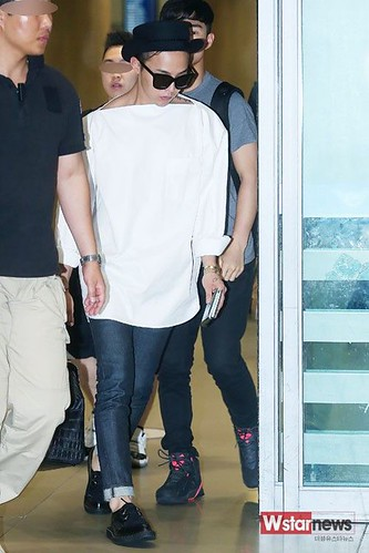 GDragon-IncheonAirport-backfromHongKong_20140806 (12)