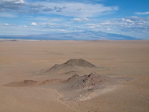 sky cloud mountain landscape asia view desert empty hill wide mount mongolia plain arid gobi mongolie mongolei 蒙古 khovd mongolië hovd mongoliet מונגוליה moğolistan mongólia говь монголия 몽골리아 ховд モンゴル国 منغوليا मंगोलिया