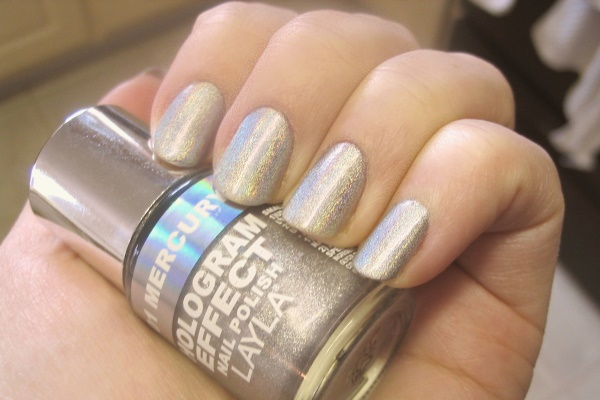 Layla Holo Polish, low light