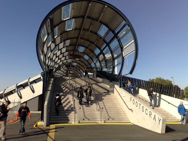 Footscray railway station footbridge in 2011