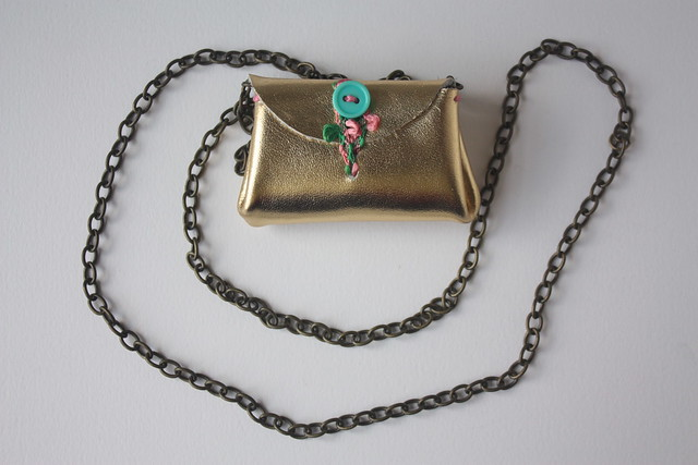 Olive super mini wallet on a chain